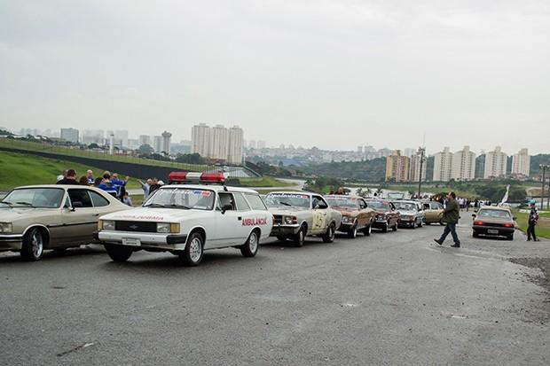Alinhando para o desfile na pista (Foto: Divulgação/Humberto Silva)