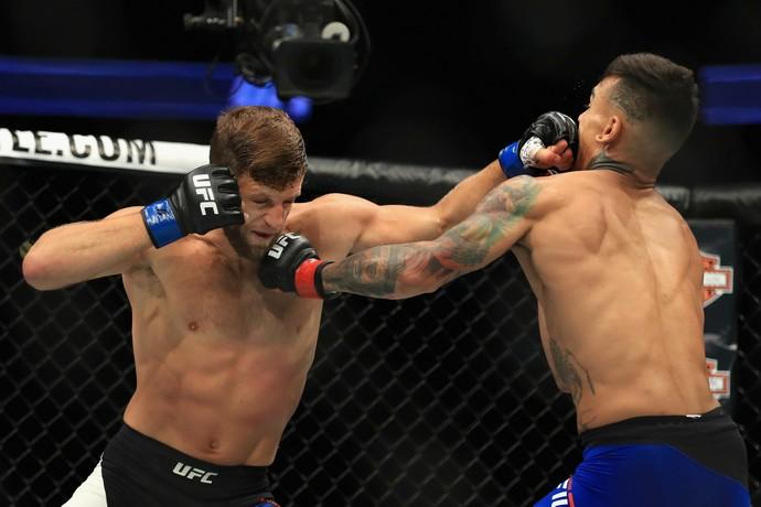 Calvin Kattar, Andre Fili, UFC 214, MMA (Foto: Getty Images)