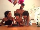 Juliana Paes comemora aniversário com os filhos e o marido