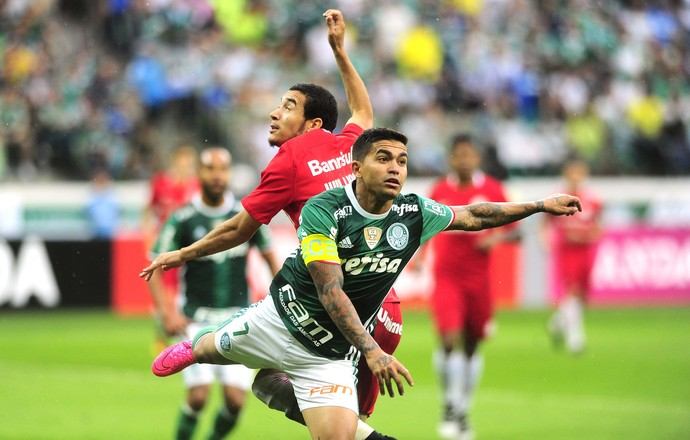 Palmeiras x Internacional - Dudu e William (Foto: Marcos Ribolli)