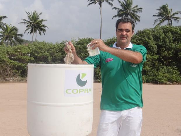 G1 Voluntário Põe Lixeiras Recicladas Em Praias De Maceió Para