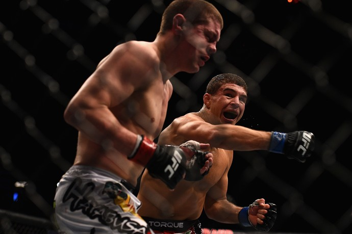 Joe Lauzon x Al Iaquinta, UFC 183 (Foto: Getty Images)