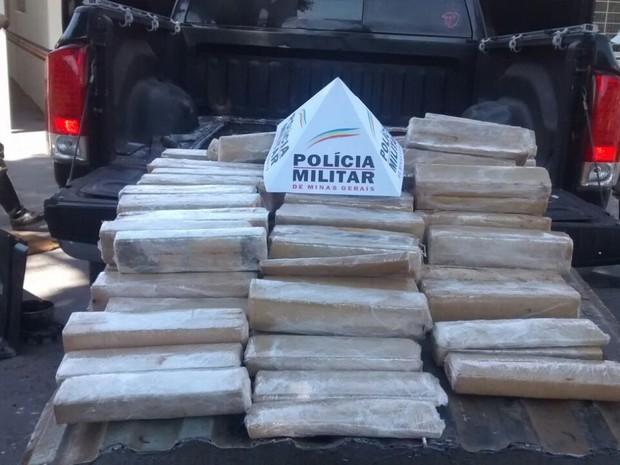 Polícia apreende quase 200 kg de maconha em MG (Foto: Tenente Elífio Ribeiro Duarte/Arquivo Pessoal)