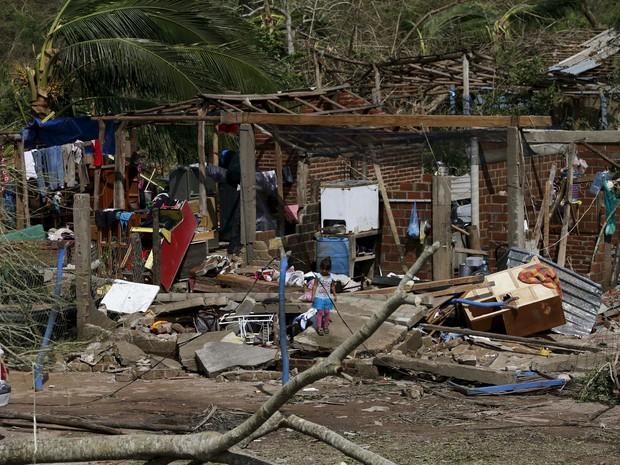Estragos causados pela tempestade Patrícia em Chamela, México, neste sábado (24) (Foto: REUTERS/Henry Romero)