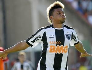André atlético-MG gol Guarani-MG (Foto: Pedro Vilela / Agência Estado)