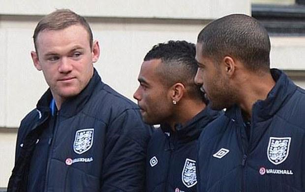 jogadores Inglaterra passeia antes de enfrentar o Brasil (Foto: Reprodução / The FA)