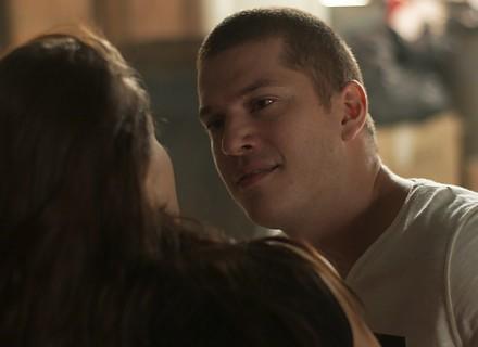 Alex ameaça Lorena: 'Nem sei do que eu sou capaz'
