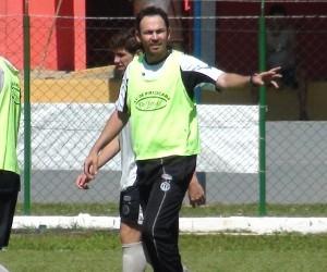 Moisés Egert, técnico do XV de Piracicaba (Foto: EPTV.com)