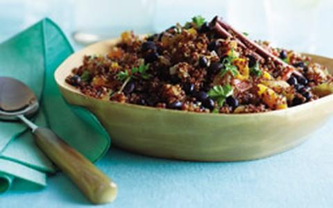 Quinoa com feijão e damasco