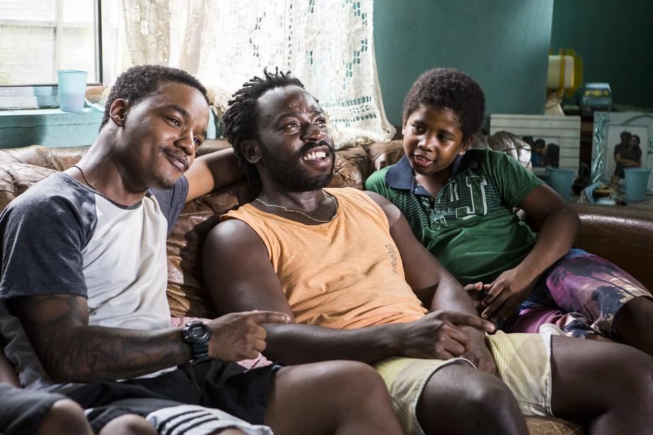 Laranjinha e Acerola vivem dilemas da paternidade em 'Cidade dos Homens'