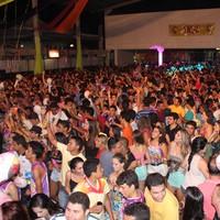 Com 11 horas de shows por dia, festa arrasta cinco mil  (Gilcilene Araújo/G1)