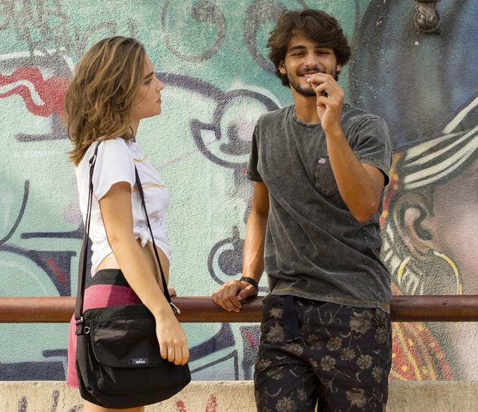 O playboy quer usar o chaveiro de Ludrigo na sua ideia (Foto: Tata Barreto/TV Globo)