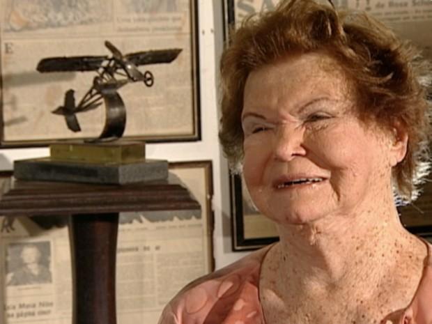 Dona Rosita Schorling já saltou de paraquedas 137 vezes (Foto: Reprodução/ TV Gazeta)