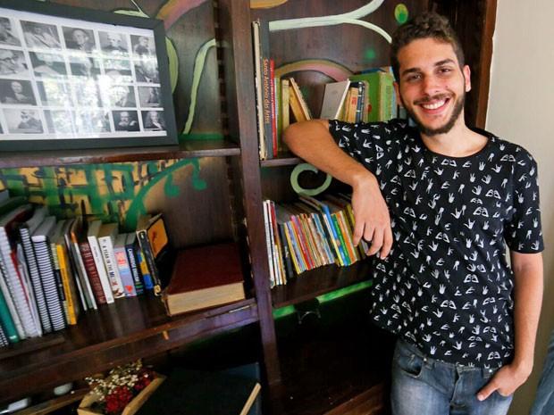 Victor Mauristane, de 23 anos, concorreu com outros 34 jovens de todo o mundo. Era o único brasileiro e o único inscrito a responder ao desafio com um jogo, que teve sete mil visualizações em uma semana (Foto: Bruna Monteiro / Acervo pessoal)