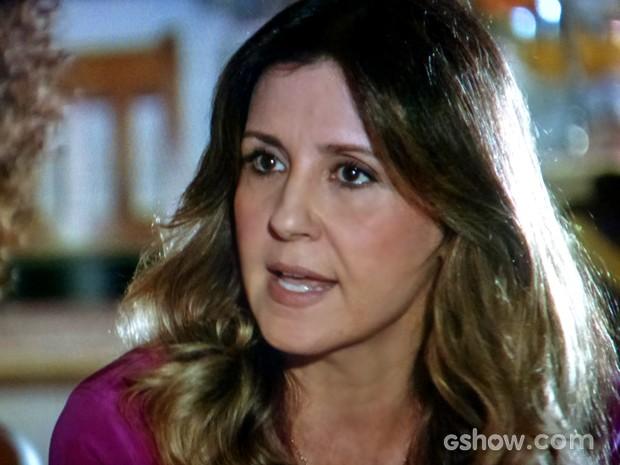 Malu conversa com Alice (Foto: Em Família/ TV Globo)