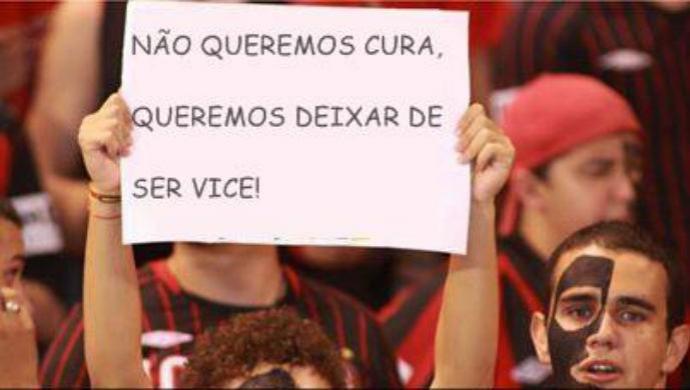 Piada vice Atlético-PR Coritiba (Foto: Reprodução / Facebook)