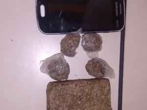 Droga foi apreendida em Quissamã (Foto: Divulgação PM)