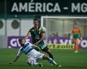 Coelho continua em situação crítica, mas time exalta ponto e defesa ilesa