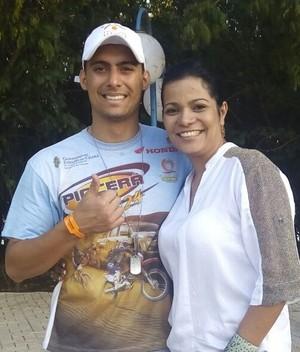 Fernanda ao lado de Pedro Teixeira, campeão quadriciclo (Foto: Fernanda Tombolato / Arquivo Pessoal)