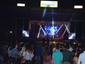 Segundo organização cerca de 10 mil pessoas acompanharam show (Foto: Rogério Aderbal/G1)