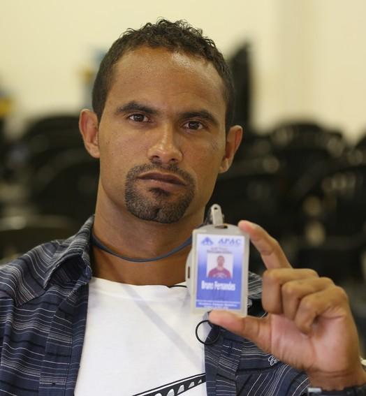 Bruno na cadeia: (Bernardo Pombo e Luiz Cláudio Amaral)