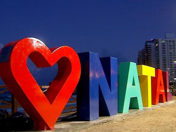 Primeiro monumento foi instalado na Praça da Jangada, em Areia Preta (Foto: Reprodução/Inter TV Cabugi)