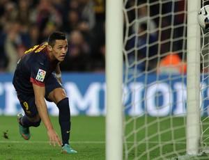 Alexis Sanchez marca gol do Barcelona sobre o La Coruna (Foto: AFP)