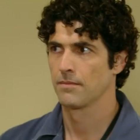 Reynaldo Gianecchini em cena como Nando (Foto: Reprodução)