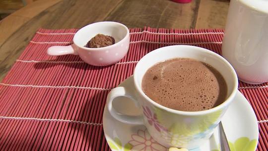 O inverno chegou! Receita de chocolate quente para aquecer nesta estação