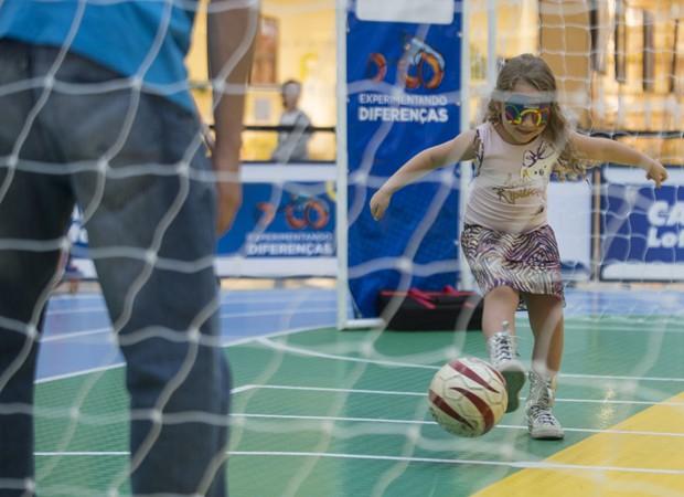 Participantes se integram em atividades esportivas adaptadas (Foto: Divulgação)