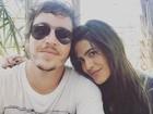 Antonia Morais e Wagner Santisteban posam agarradinhos para fotos