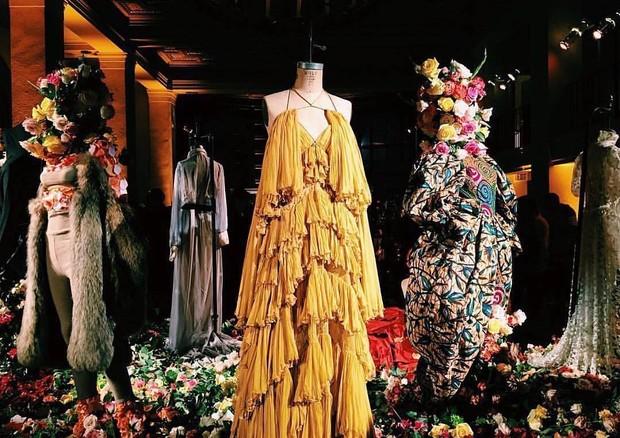 Figurinos expostos na festa armada pro Beyoncé (Foto: Reprodução)