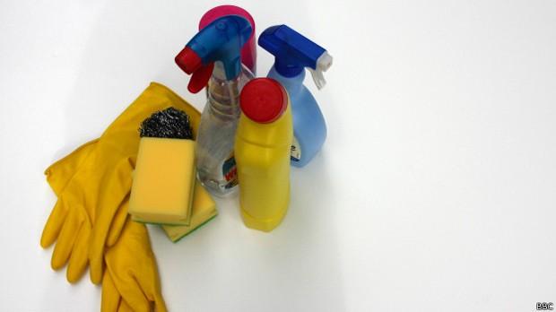Segundo cientistas, banho de água sanitária diluída retardou envelhecimento de ratos. (Foto: BBC)