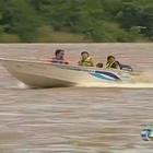 Turistas se arriscam em embarcações (Reprodução/TV Anhanguera)