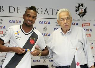Kelvin, Eurico, Vasco (Foto: Paulo Fernandes/Vasco.com.br)