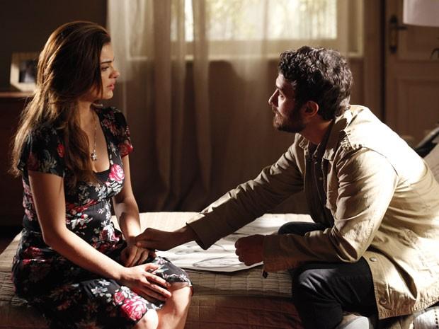 Rodrigo adia o casamento para entender melhor seus sentimentos (Foto: Amor Eterno Amor / TV Globo)