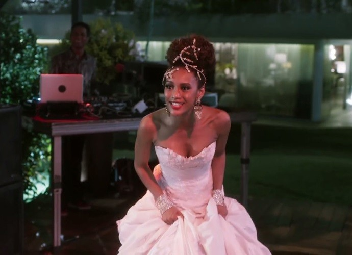 Michele se diverte com Brau em recasamento (Foto: TV Globo)