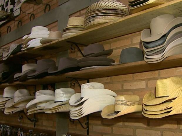 Lojistas e fabricantes esperam aquecimento das vendas durante a Festa de  Barretos (Foto  Reprodução f28f616ccd4
