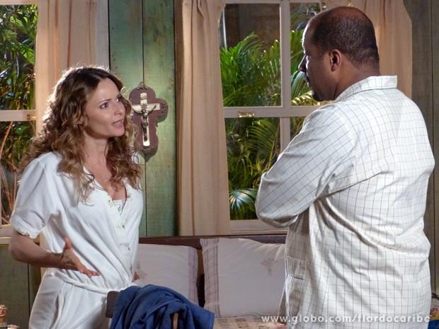Dora tira satisfação com Quirino sobre Nicole (Foto: Flor do Caribe/TV Globo)