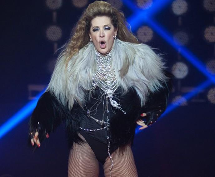 Claudia interpretou Shakira, em Alto Astral (Foto: Fabiano Battaglin/Gshow)
