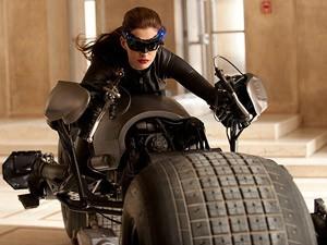 Anne Hathaway como Mulher-gato (Foto: Divulgação/Divulgação)