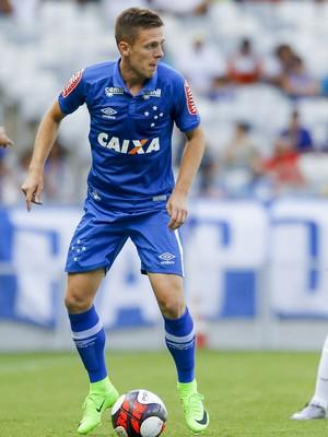 Ezequiel; Villa Nova-MG; Cruzeiro (Foto: Washington Alves/Light Press)