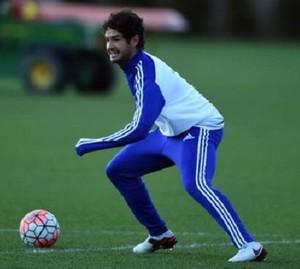 Pato treina no Chelsea (Foto: Reprodução Twitter)