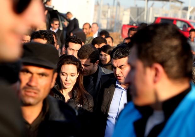 Angelina Jolie em missão no Iraque (Foto: AP)