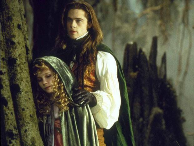 Brad Pitt e Kirsten Dunst em cena de 'Entrevista com o vampiro' (1994) (Foto: Divulgação)