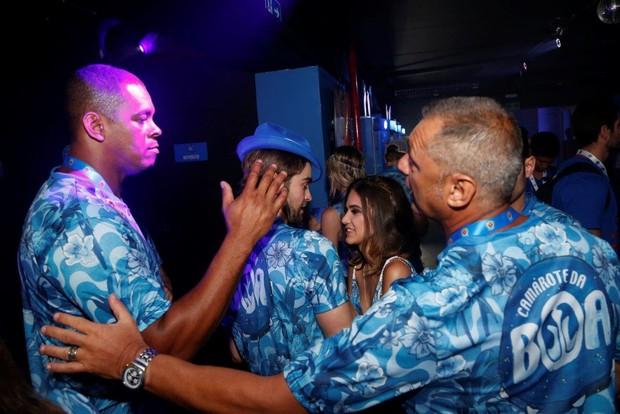 Chace Crawford beija Manu Gavassi (Foto:  Felipe Assumpcao e Henrique Oliveira / AgNews)