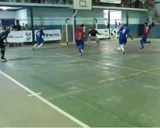 Mendes venceu Quatis por 4 a 3 pela Copa Rio Sul de Futsal (Foto: Reprodução Bom Dia Rio)