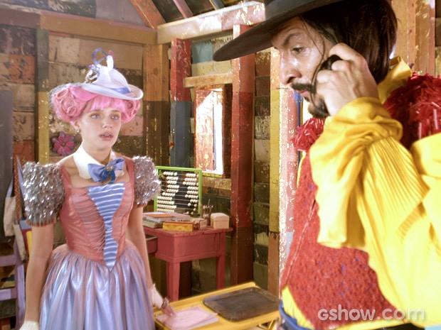 Juliana finalmente entende o mistério das cartas (Foto: Meu Pedacinho de Chão/TV Globo)