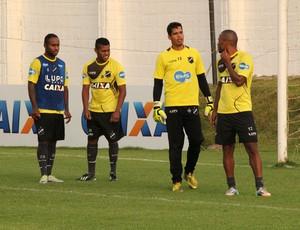 Zambi, Marcel, Gilvan e Rodrigo Silva - jogadores do ABC (Foto: Jocaff Souza/GloboEsporte.com)