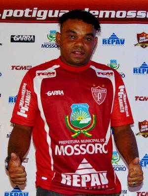 Carlinhos Bala - atacante do Potiguar de Mossoró (Foto: Marcelo Diaz/Divulgação)